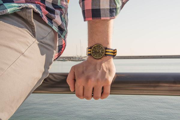 drewniany zegarek męski